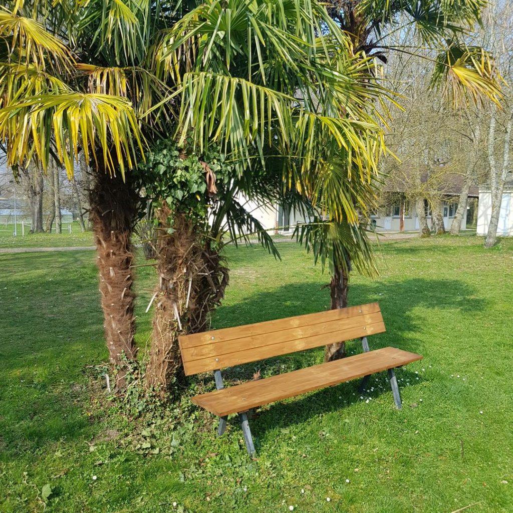 chateau-de-troissy-internat-college-lycee-cinema-theatre-renovation-mobilier